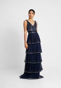 Lace & Beads Tall - MULAN LISHKY MAXI - Vestido de fiesta - navy - 2
