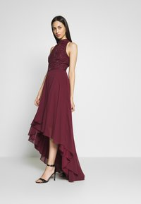 Lace & Beads Tall - AVERY HIGH LOW DRESS - Occasion wear - burdungy - 0