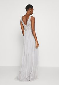 Lace & Beads Tall - MUMULAN MAXI - Vestido de fiesta - light grey - 2