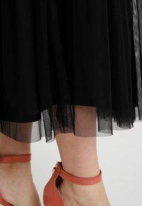 Lace & Beads Petite - VAL SKIRT - Maxi sukně - black - 5