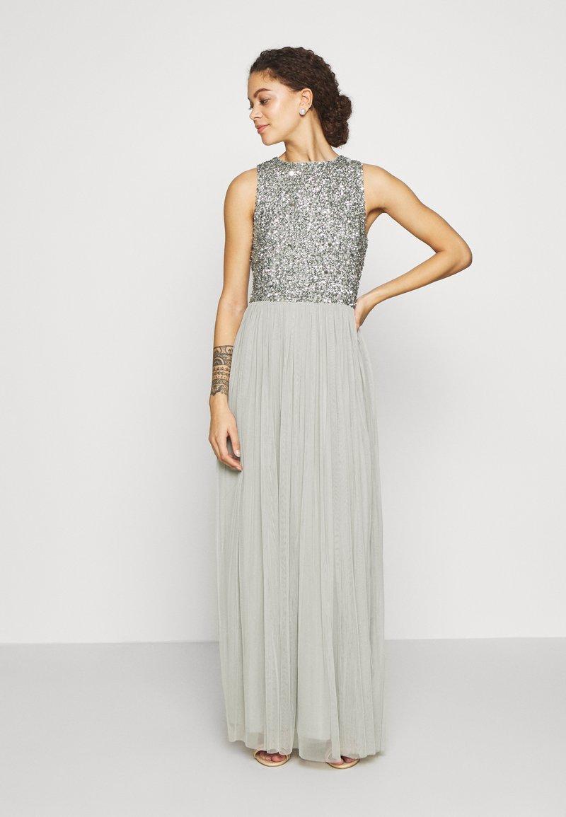 Lace & Beads Petite - PICASSO - Společenské šaty - sage