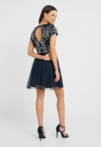 Lace & Beads Petite - NINA DRESS - Cocktailklänning - navy - 3