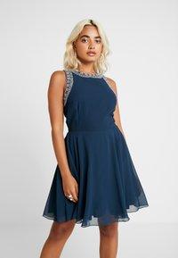 Lace & Beads Petite - DUNYA DRESS - Robe de soirée - navy - 0