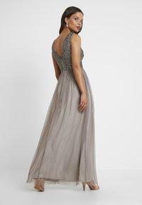 Lace & Beads Petite - MULANI MAXI - Společenské šaty - stone - 3