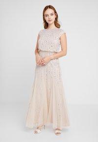 Lace & Beads Petite - MAXI - Robe de soirée - blush - 0