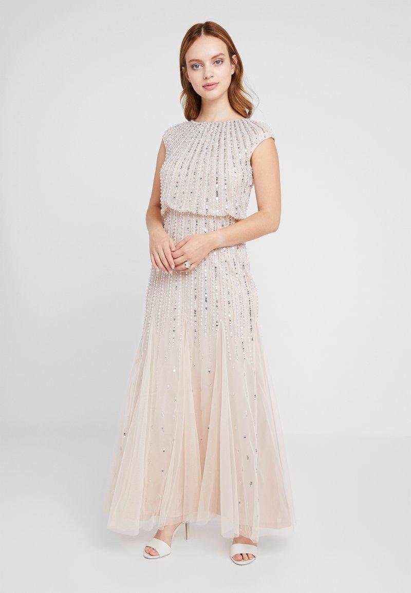 Lace & Beads Petite - MAXI - Robe de soirée - blush