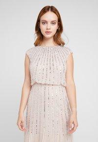 Lace & Beads Petite - MAXI - Robe de soirée - blush - 3