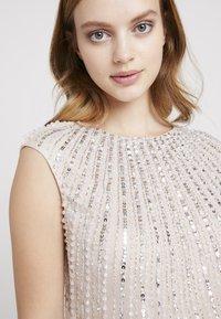 Lace & Beads Petite - MAXI - Robe de soirée - blush - 5