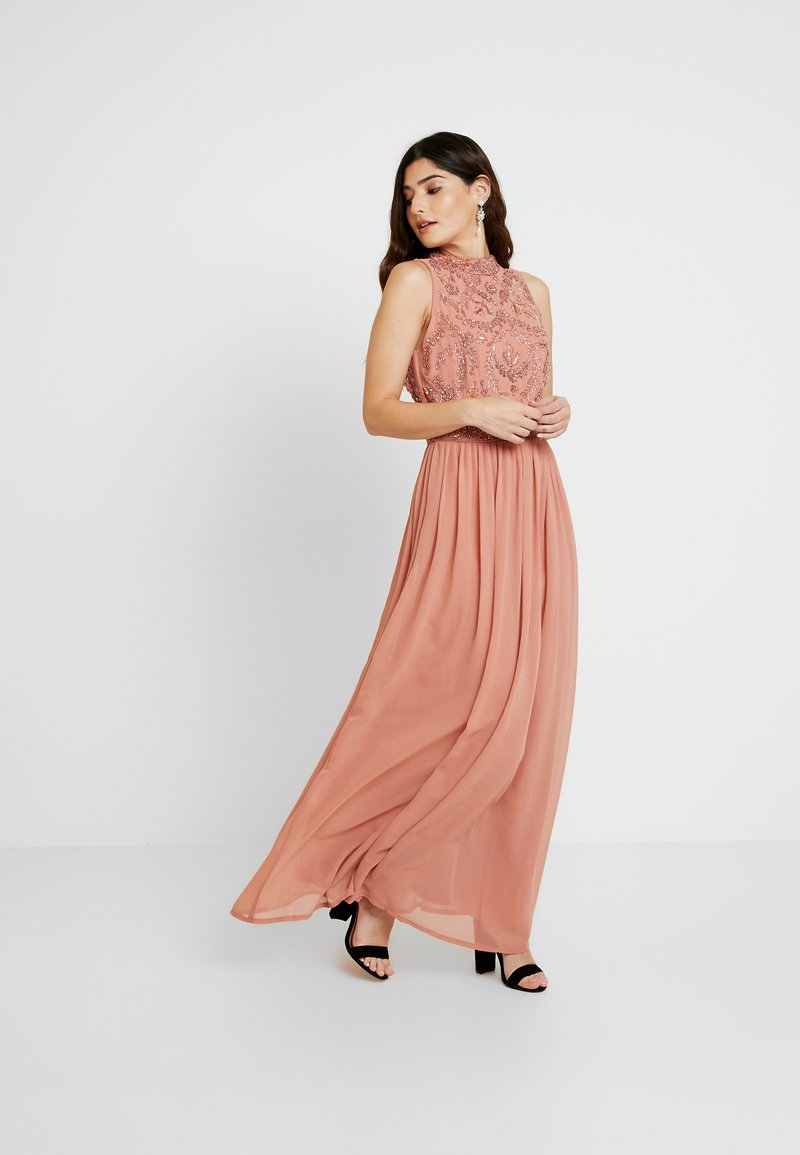 Lace & Beads Petite - CHANDIINI - Společenské šaty - salmon