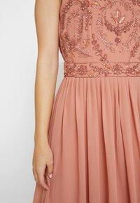 Lace & Beads Petite - CHANDIINI - Společenské šaty - salmon - 6