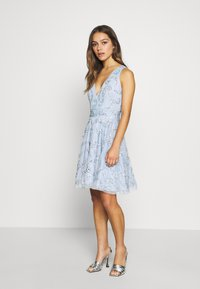 Lace & Beads Petite - AMARIS DRESS - Vestido de cóctel - light blue - 0