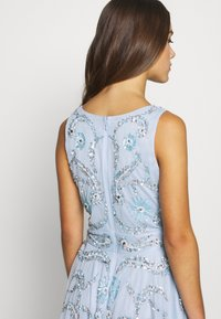 Lace & Beads Petite - AMARIS DRESS - Vestido de cóctel - light blue - 5