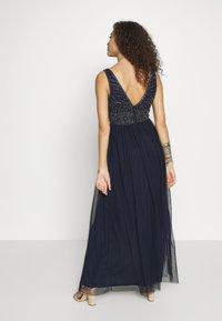 Lace & Beads Petite - MUMULAN MAXI - Vestido de fiesta - navy - 2