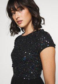 Lace & Beads Petite - NESSIA - Juhlamekko - black iridescent - 5