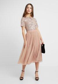 Lace & Beads Petite - LETTY - Blus - mink - 1