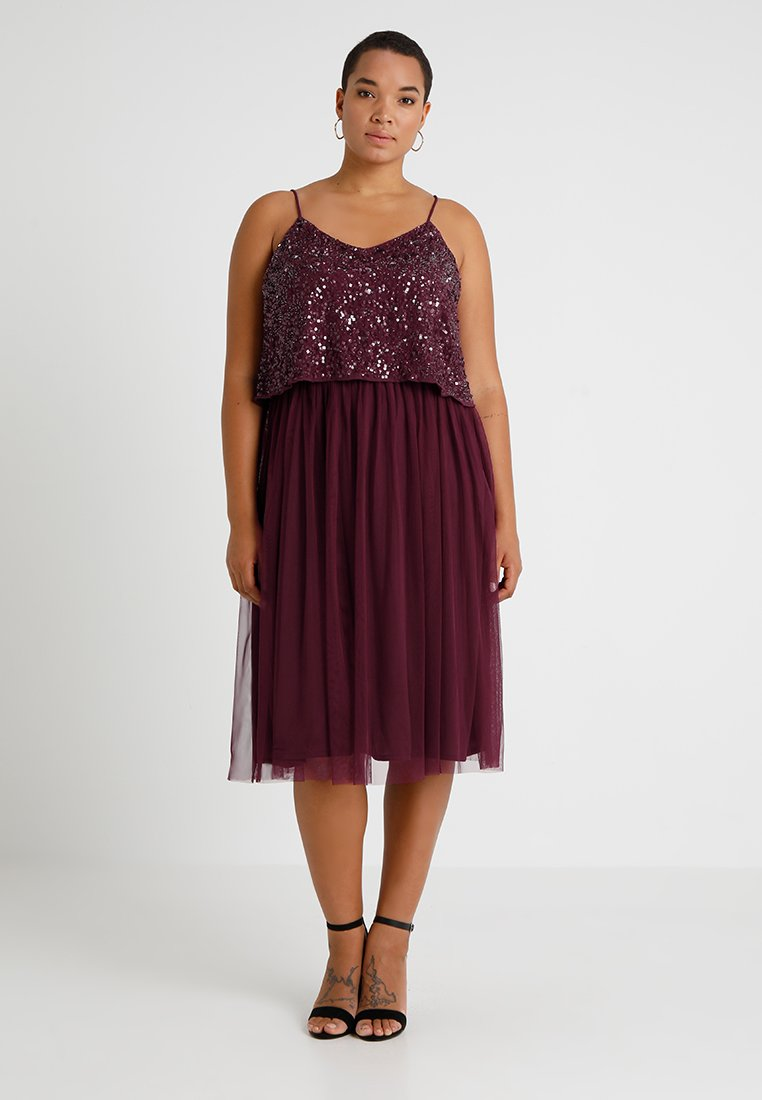 Lace & Beads Curvy - EXCLUSIVE ALVI DRESS - Cocktailklänning - berry/deep red