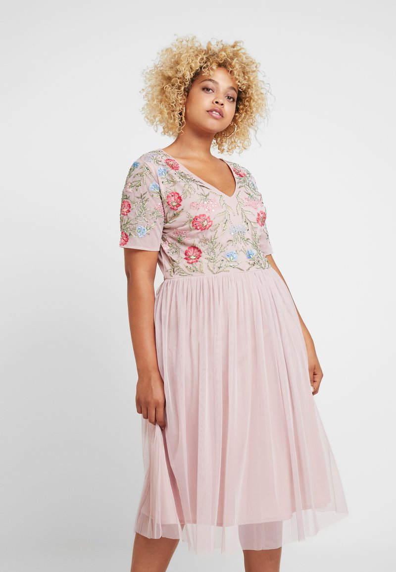 Lace & Beads Curvy - EDA - Occasion wear - pink