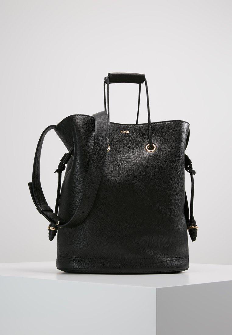Lancel - LE HUIT BUCKET BAG  - Sac bandoulière - black