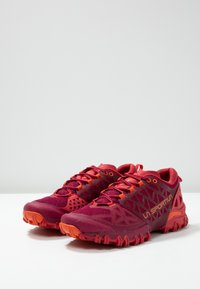 La Sportiva - BUSHIDO II WOMAN - Chaussures de running - beet/garnet - 2