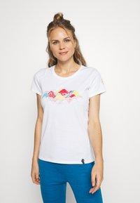 La Sportiva - HILLS - T-shirts med print - white - 0
