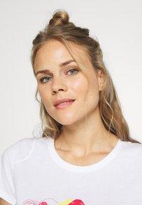 La Sportiva - HILLS - T-shirts med print - white - 3