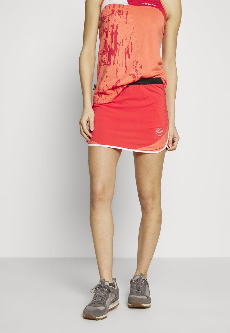 La Sportiva - COMET SKIRT - Sports skirt - hibiscus/flamingo