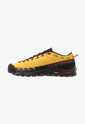 TX2 - Buty wspinaczkowe - yellow/black