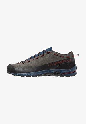 TX2 - Lezecká obuv - carbon/opal