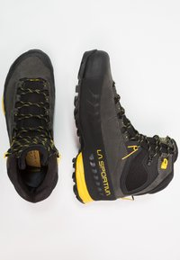 La Sportiva - TX5 GTX - Trekkingboot - carbon/yellow - 1