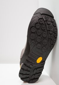 La Sportiva - BOULDER X - Outdoorschoenen - grey/yellow - 4