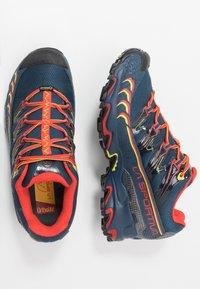 La Sportiva - ULTRA RAPTOR GTX - Trail hardloopschoenen - opal/poppy - 1