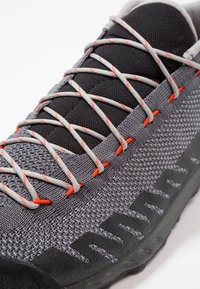 La Sportiva - TX2 - Climbing shoes - carbon/tangerine - 5