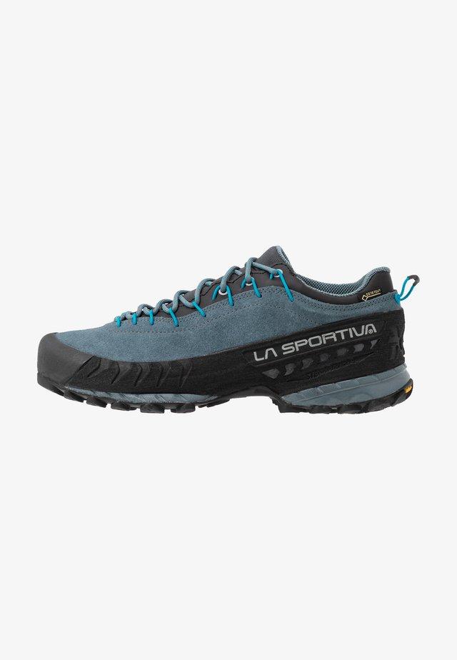 TX4 GTX - Climbing shoes - slate/tropic blue