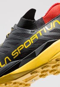 La Sportiva - KAPTIVA - Scarpe da trail running - black/yellow - 5