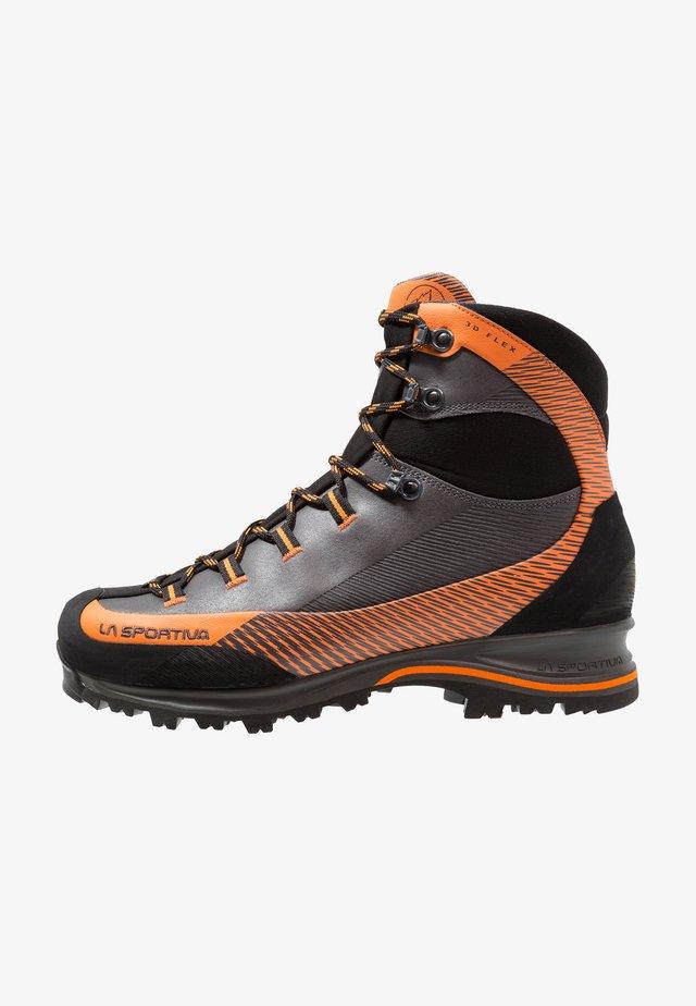 TRANGO TRK GTX - Mountain shoes - carbon/pumpkin