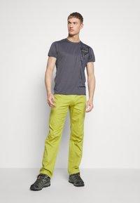 La Sportiva - BOLT PANT  - Outdoor trousers - kiwi/neptune - 1