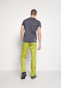 La Sportiva - BOLT PANT  - Outdoor trousers - kiwi/neptune - 2