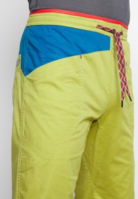 La Sportiva - BOLT PANT  - Outdoor trousers - kiwi/neptune - 5