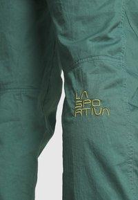 La Sportiva - ROOTS PANT  - Trousers - pine/kiwi - 4
