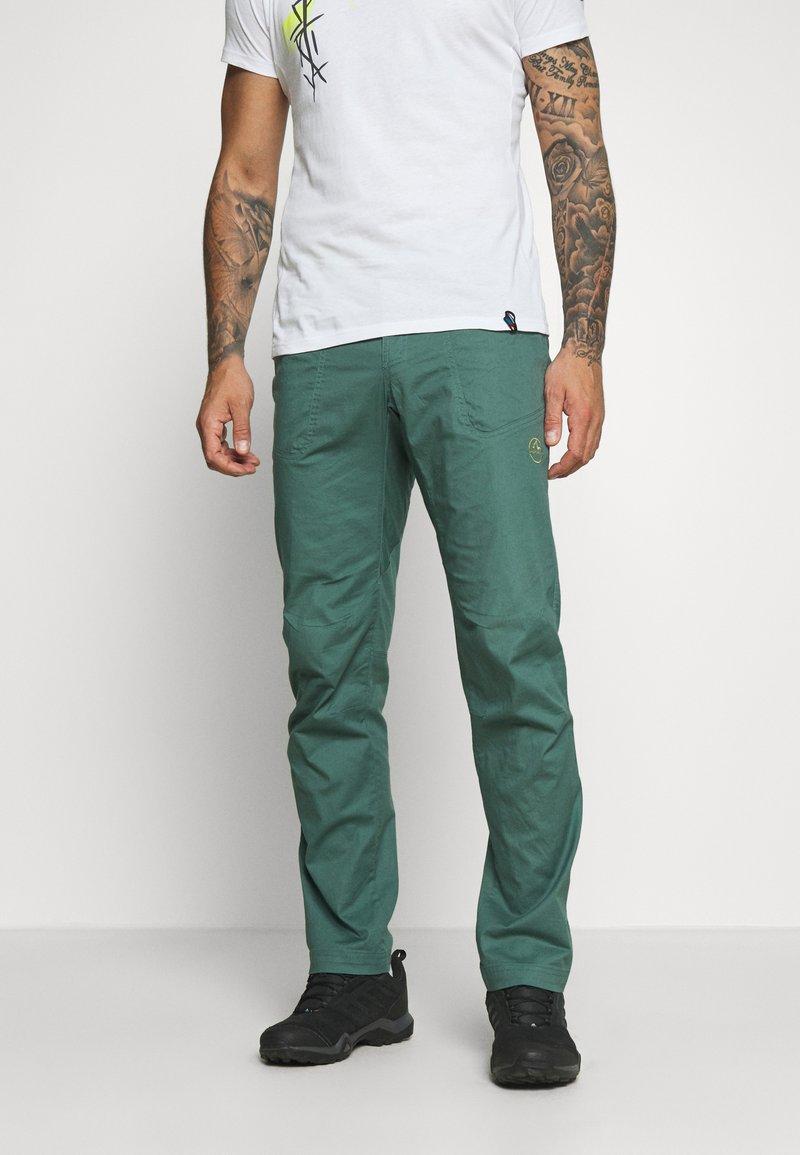 La Sportiva - ROOTS PANT  - Trousers - pine/kiwi