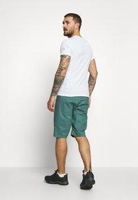 La Sportiva - FLATANGER SHORT  - Sports shorts - pine/kiwi - 2
