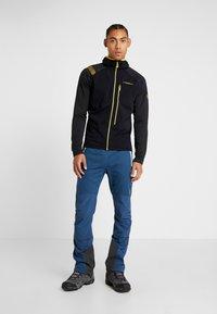La Sportiva - DEFENDER - Fleece jacket - black - 1