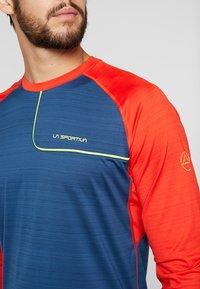 La Sportiva - TOUR LONG SLEEVE  - Sports shirt - opal/poppy - 5