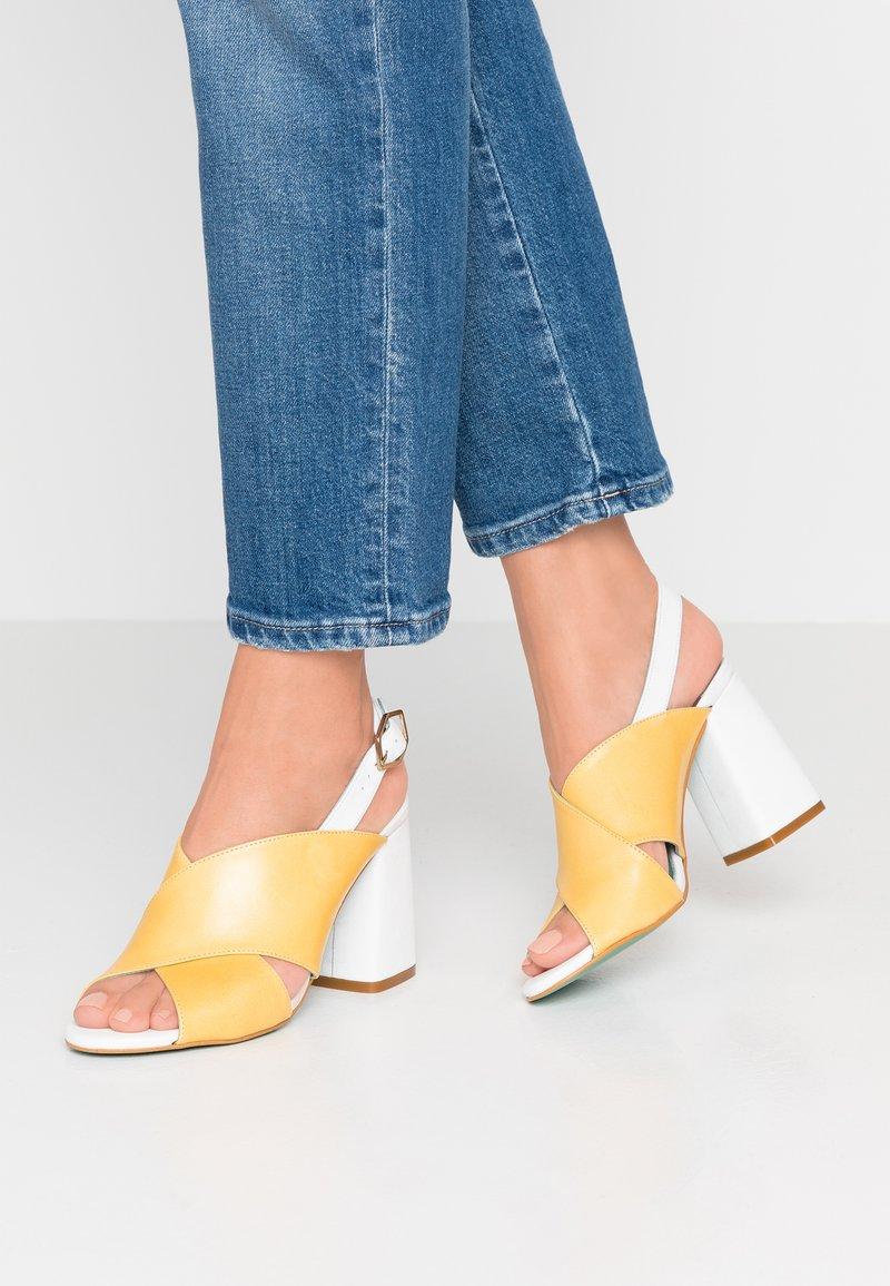 LAB - High heeled sandals - blanco/babylon
