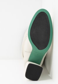 LAB - Boots med høye hæler - greige - 6