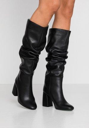 Højhælede støvler - savage black