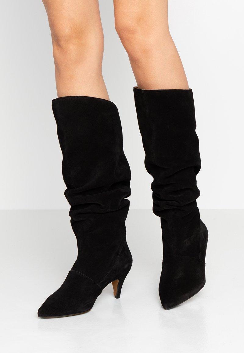 LAB - Vysoká obuv - black