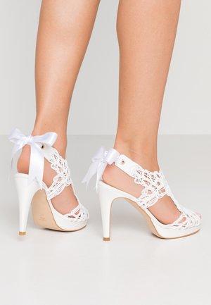 Sandály na vysokém podpatku - blanco