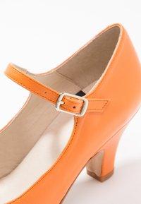 LAB - Classic heels - naranja - 2