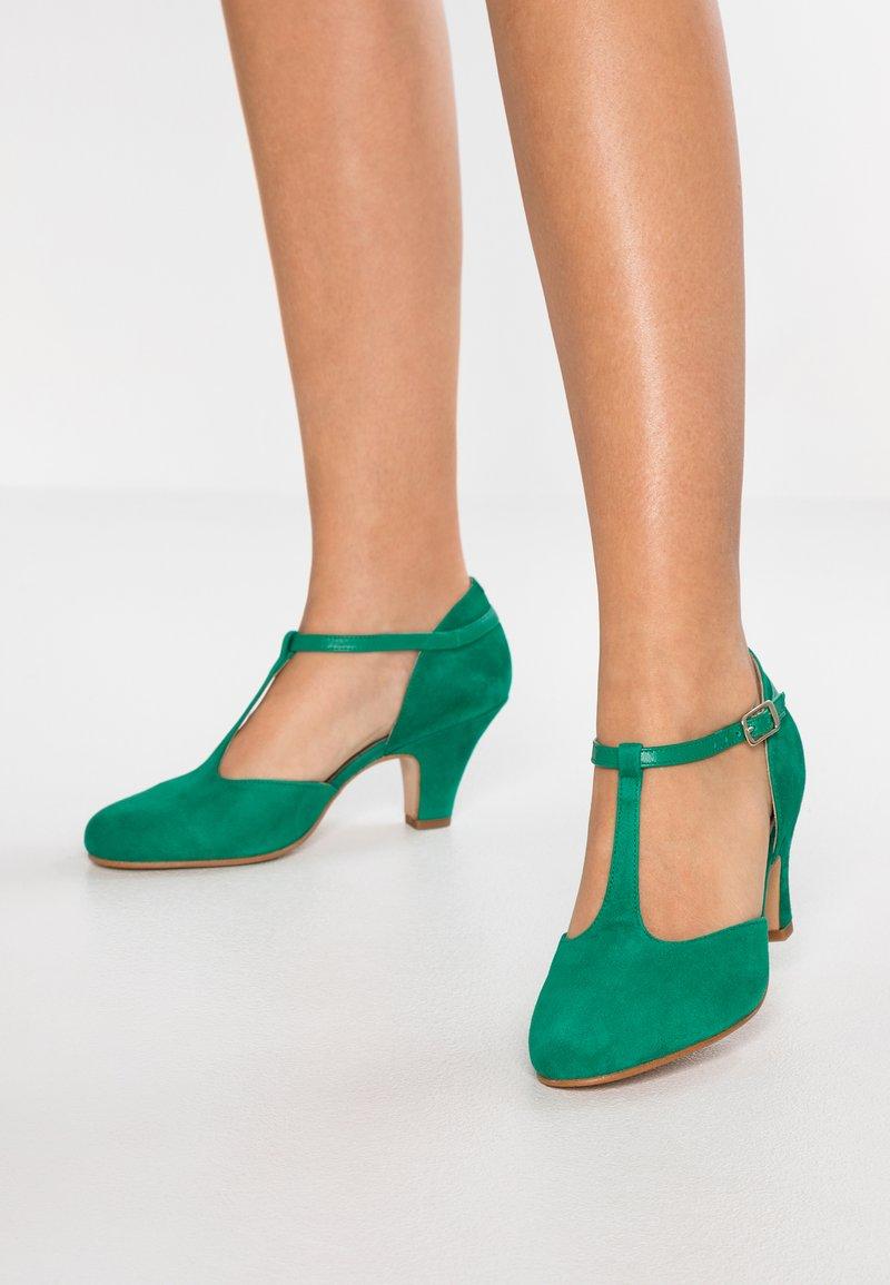 LAB - Classic heels - trebol mestizo